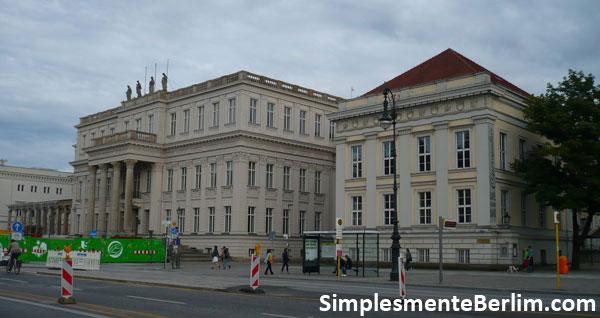 Kronprinzenpalais e Prinzessinnenpalais/Opernpalais na Unter den Linden