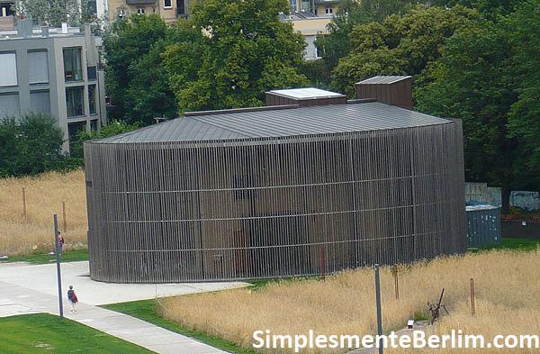 Memorial do Muro de Berlim na Bernauerstr. - Capela da Reconciliação