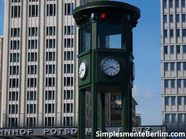 Potsdamer Platz - Réplica do Semáforo