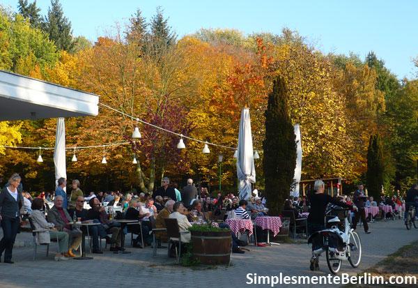 Restaurante no parque Friedrichshain