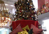 """A """"pequena"""" poltrona com a árvore de natal"""