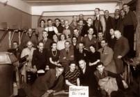 Otto Weidt com seus funcionários (Fonte: www.museum-blindenwerkstatt.de)