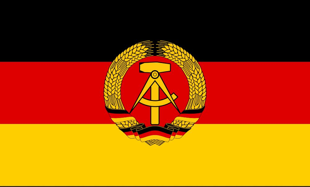 A bandeira da Alemanha Oriental