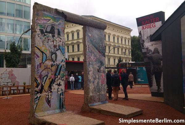 Restos do Muro de Berlim - Exposição BlackBox