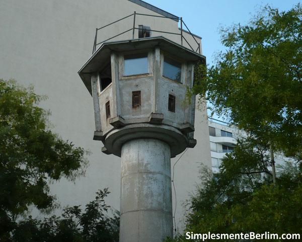 Torre de observação do muro de Berlim