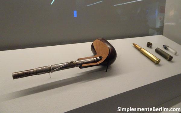 MuseuDaEspionagem_CachimboRevolver