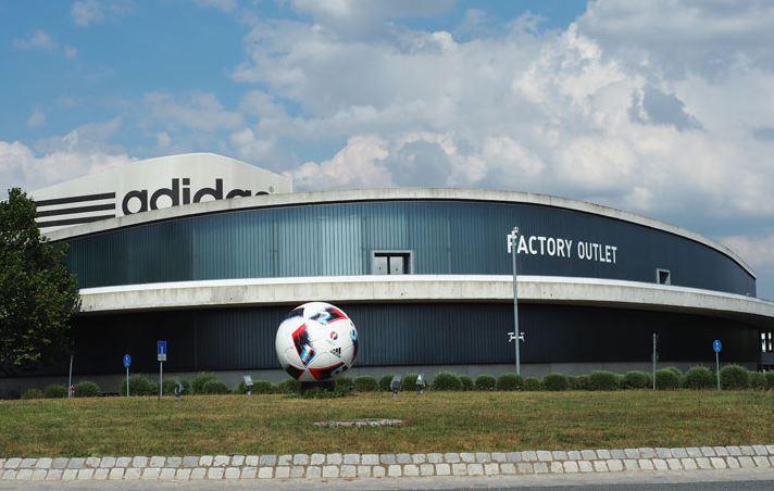b7b1da71b60836 O duelo dos irmãos Dassler – A história das marcas Adidas e Puma ...